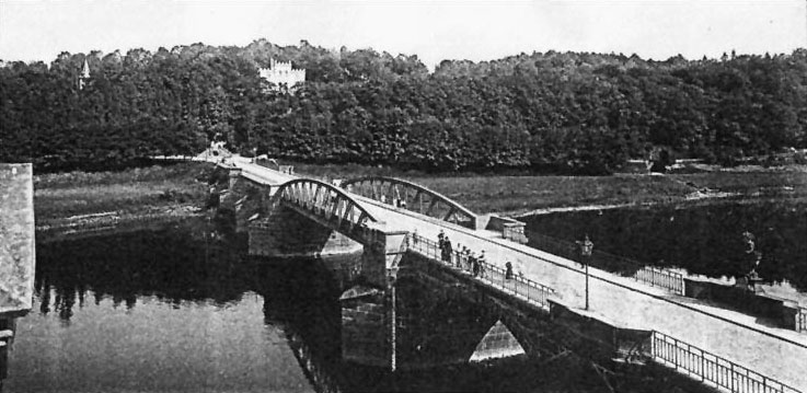 http://www.poeppelmannbruecke.de/Images/1884-Stahlmittelteil-615.jpg