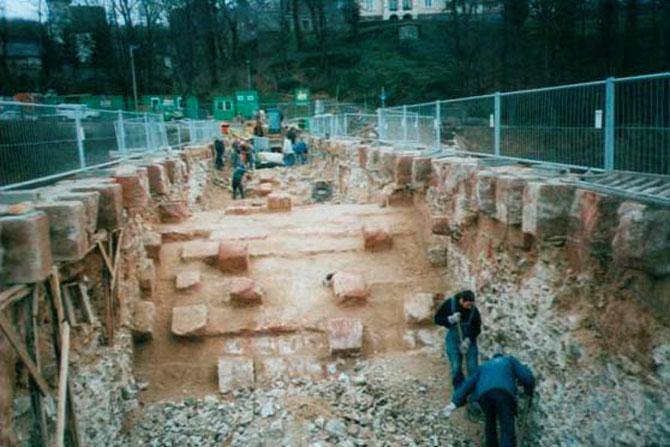 http://www.poeppelmannbruecke.de/Images/1999-Sanierungsbeginn-670.jpg